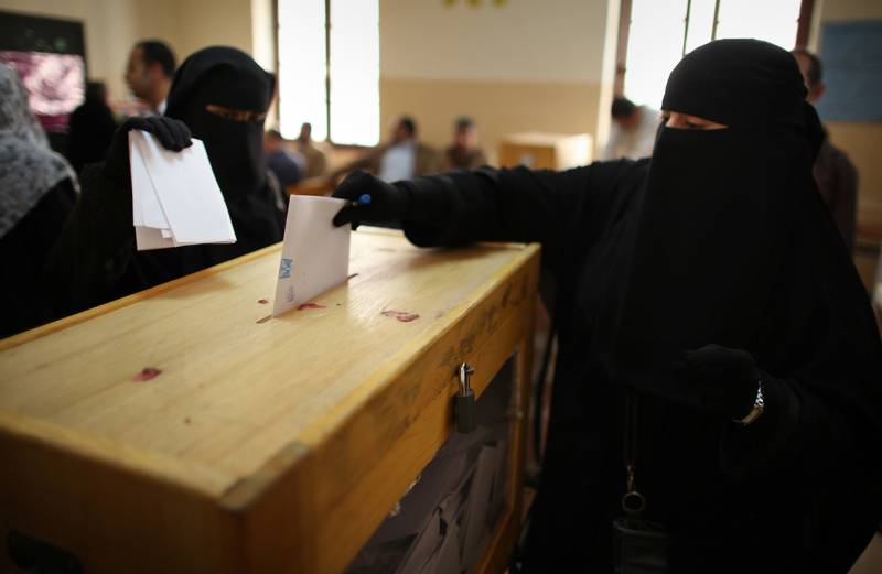 First-ever election in Saudi Arabia also features female voters, candidates