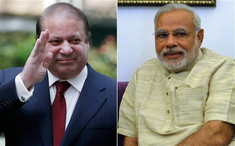 PM Nawaz reaches Lahore Airport to receive PM Modi