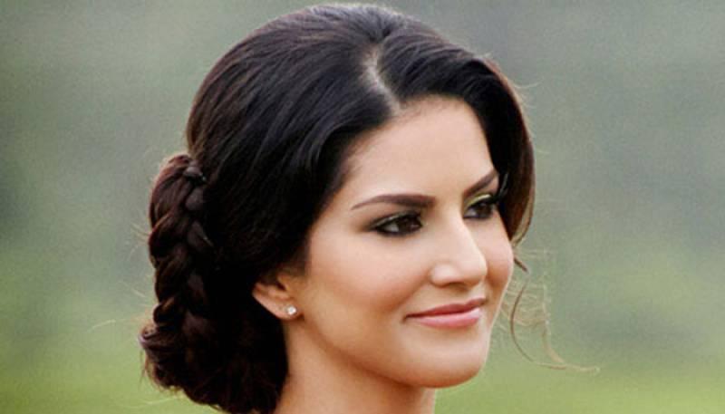 Sunny Leone gets 10mn hits on 'Mastizaade' trailer