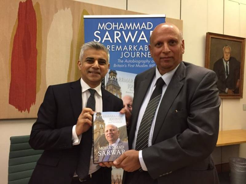 """Chaudhry Sarwar's autobiography """"My Remarkable Journey"""" launched in UK"""