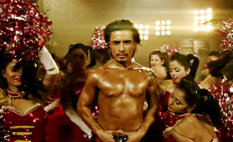 "Ali Zafar releases weird new single ""Six Packs Abs"""