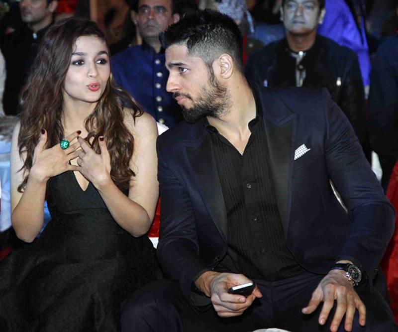 Alia Bhatt, Sidharth Malhotra go on a SECRET DATE