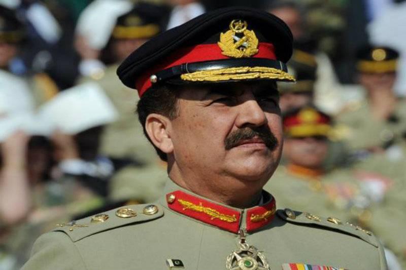 Raheel Sharif visits 10 Corps Headquarters
