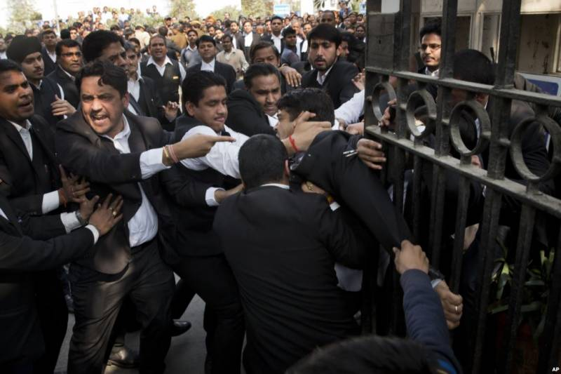 Kashmiri students face harassment in New Delhi