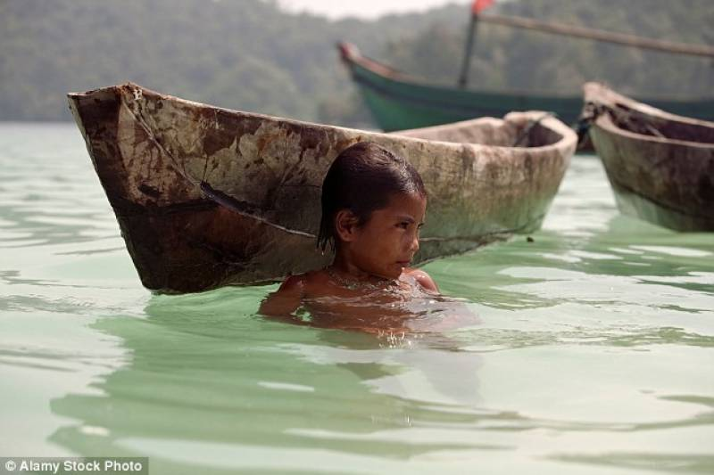 The amazing 'dolphin children' of Thailand who have underwater vision