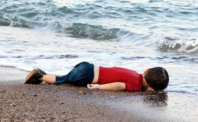 Aylan Kurdi's death: Turkey jails two Syrian smugglers for four years