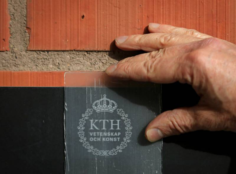 This TRANSPARENT wood may replace glass in future