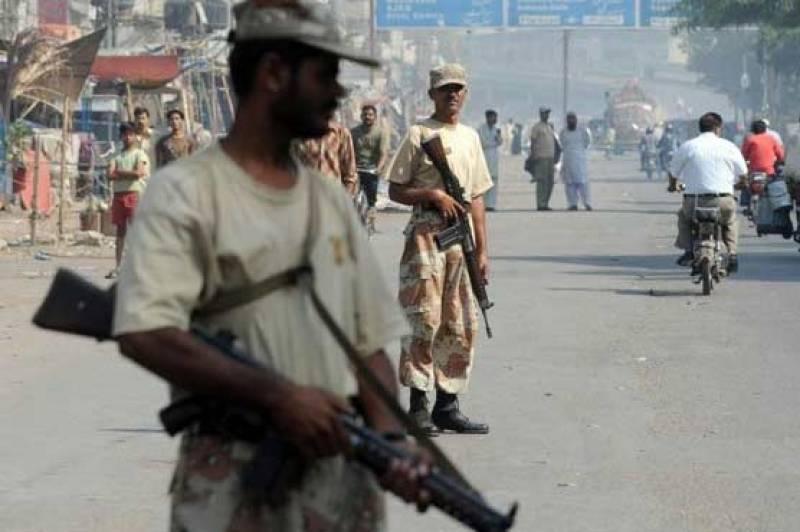 Gang war commander, four facilitators apprehended in Karachi