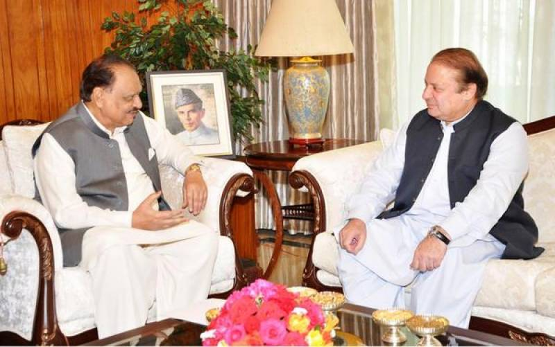 President Mamnoon, PM Nawaz discuss political scenario