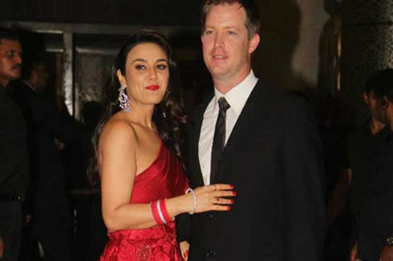 VIDEO: Preity Zinta - Gene Goodenough wedding reception