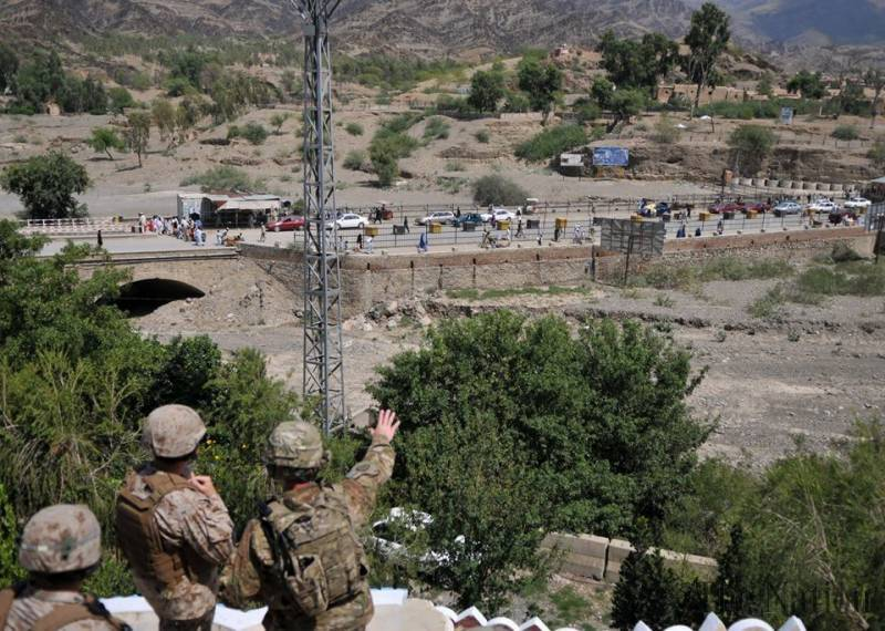 Pakistan hands over Angoor Adda border crossing to Afghanistan, resolving an age-old border dispute