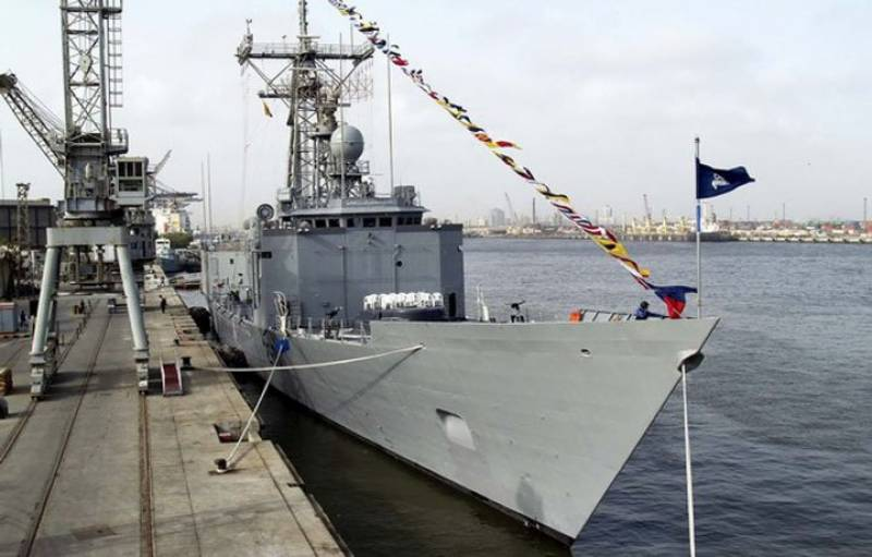 5 Pakistan Navy officers to be hanged for conspiring to hijack naval ship