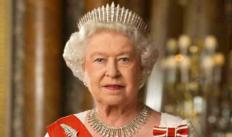 Is Queen Elizabeth from the lineage of the Spanish-Muslim descendants of the Holy Prophet (PBUH)?