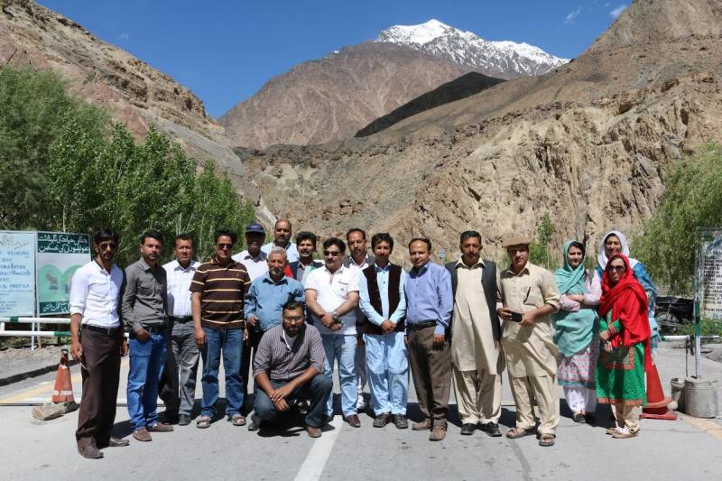 WWF, ICIMOD organise journalists' workshop on climate change in Gilgit