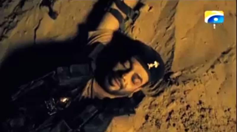 Aamer Liaqat's Ramazan promo: 5 hilarious reasons he lay in the sand in uniform