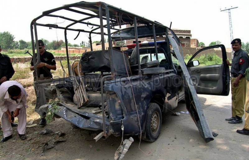 Police sub-inspector killed in roadside blast in Peshawar