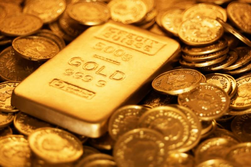 Gold price surges by Rs 700 per tola
