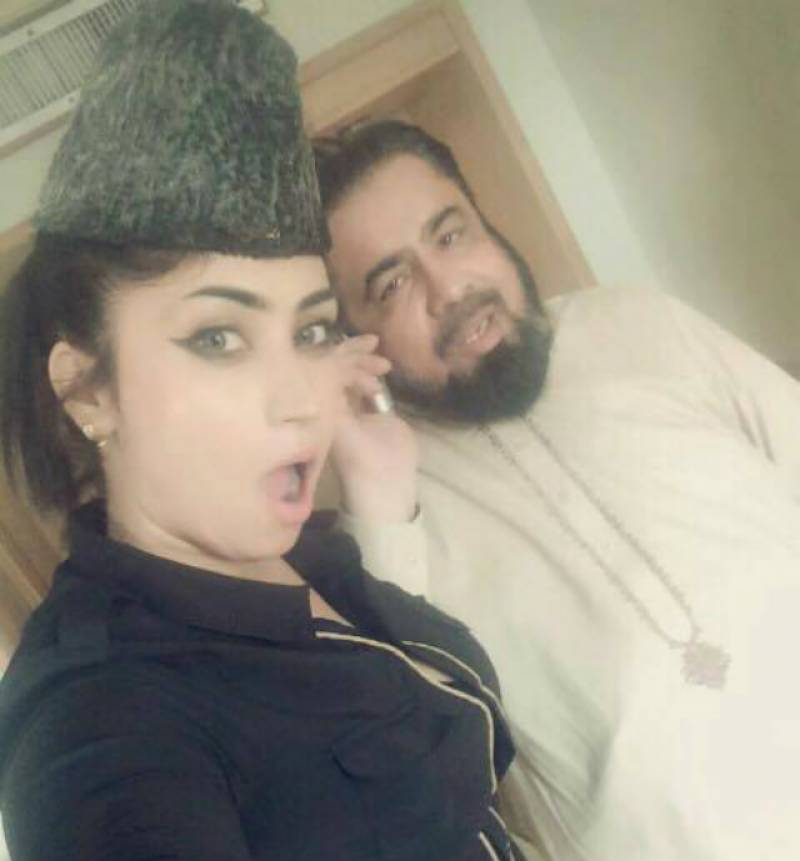 What really happened when Mufti Abdul Qavi broke his fast with Qandeel Baloch in a hotel?