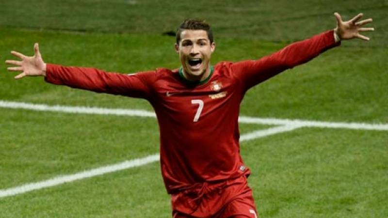 Euro 2016: Ronaldo makes history, leads Portugal into last-16 after thriller against Hungary