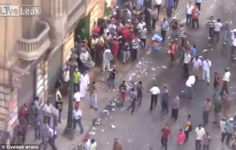 Islamist mob attacks Christian village in Alexandria, Egypt; torch dozens of homes