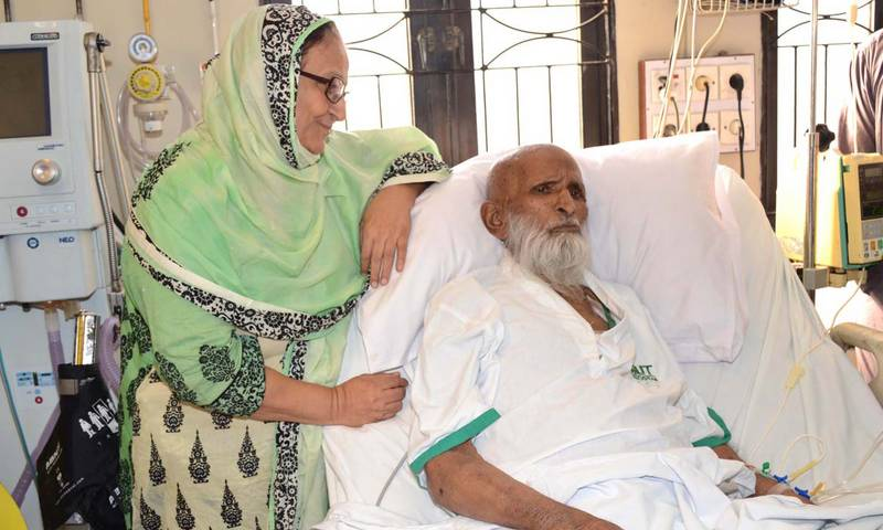 Edhi's eyes light up two persons' world after his death