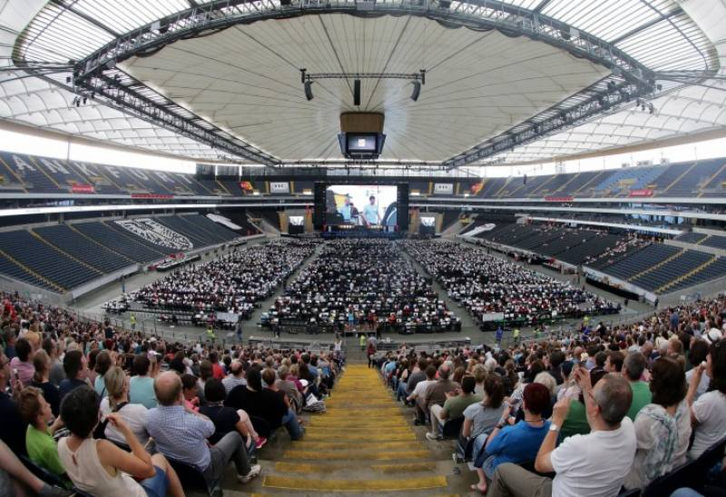 World's largest orchestra mesmerizes audience in Germany