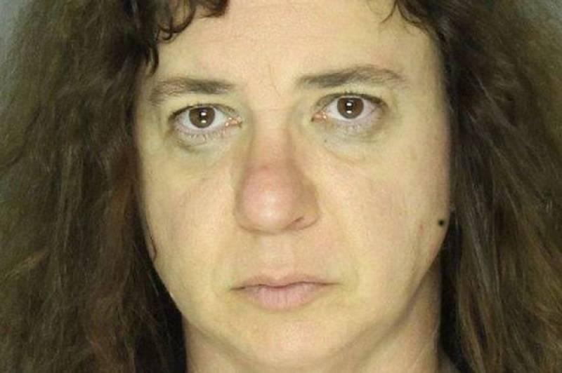 Female teacher slept with 5 pupils on her 'bucket list'