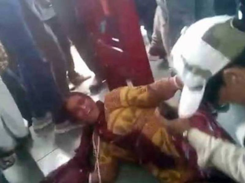 Two Muslim women targeted at Indian railway station by beef vigilantes