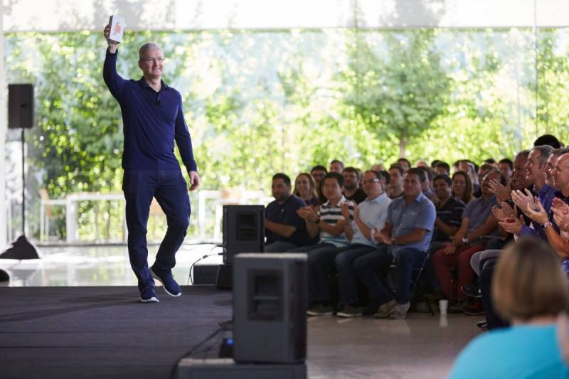 Apple iPhone sales reach historic milestone despite declining sales this year