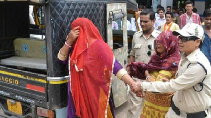 India finally stands up to beef vigilantes after two muslim women were beaten up