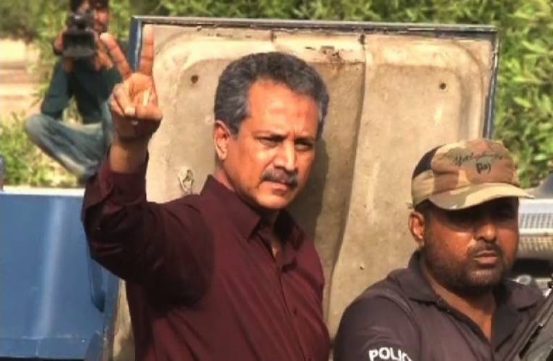Waseem Akhtar's May 12 confession seems questionable after release of hand-written note