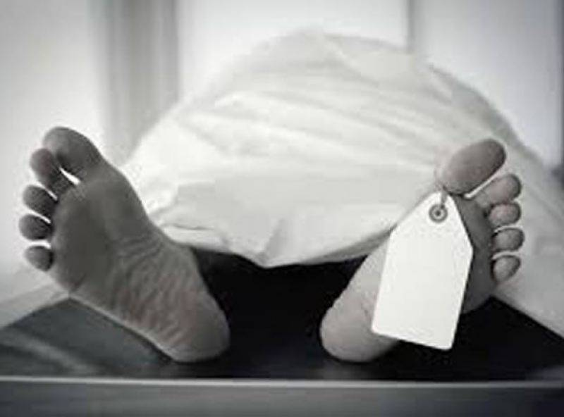 Man stabbed to death, wife injured by unknown persons in Sanghar