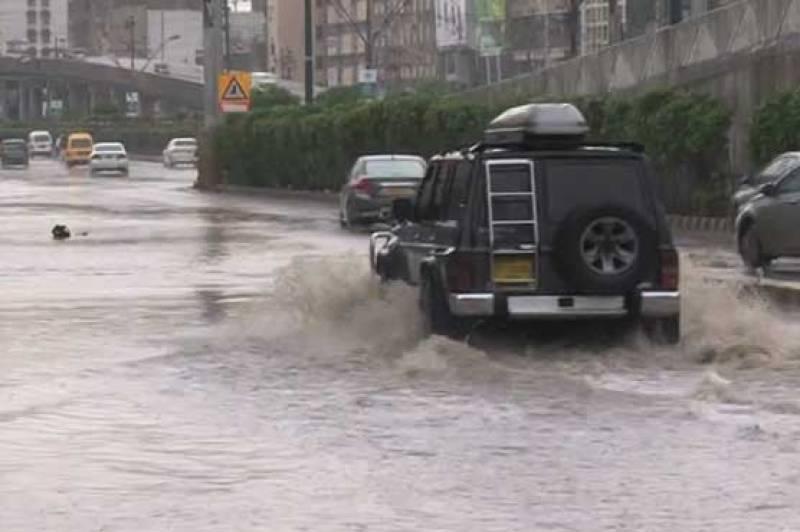10 dead, six injured as rain lashes Karachi