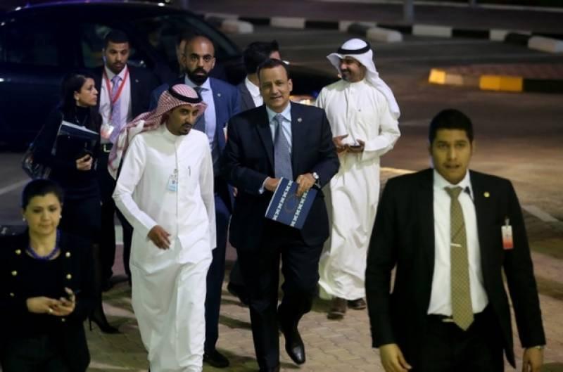 UN envoy announces month-long pause in Yemen peace talks for consultations