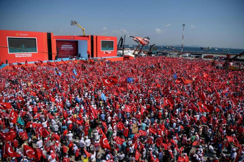 Turkey starts releasing 38,000 jailed for pre-coup crimes