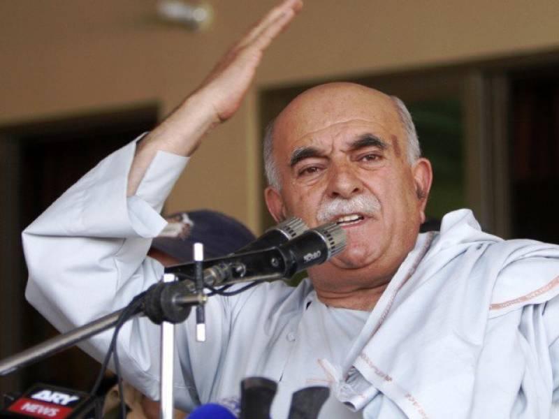 Achakzai calls slain Taliban chief Mullah Mansour 'martyr'