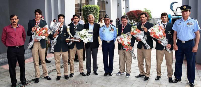 Title-winning Pakistan junior squash team returns home