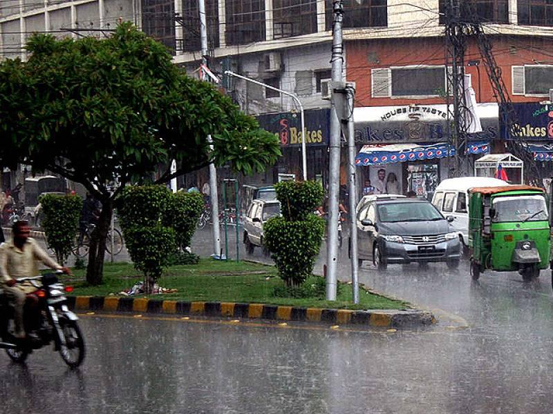 Heavy Monsoon rain lashes Lahore