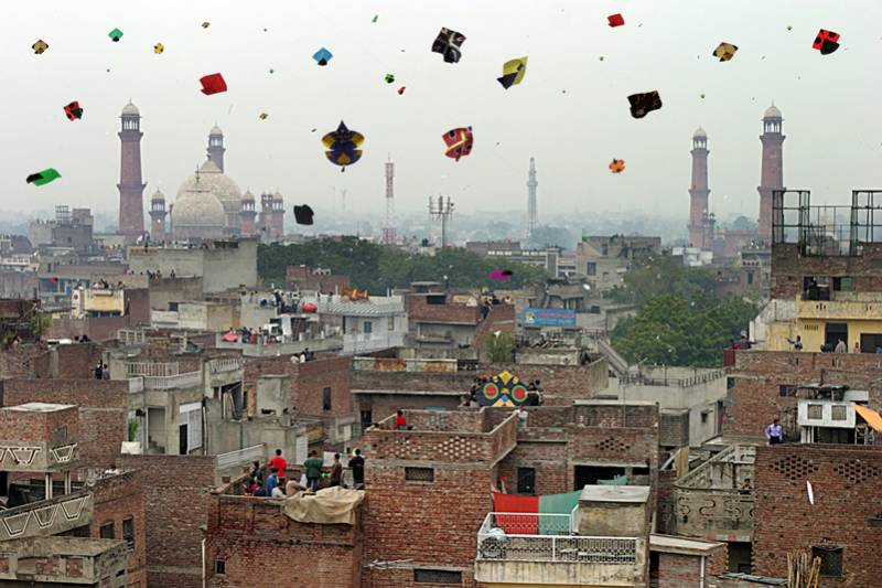 Punjab government mulls over reviving basant