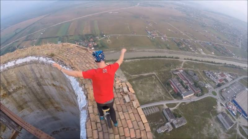 VIDEO:This adventurist is defying death through his unicycle stunts