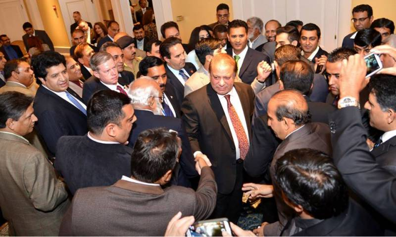 PM interacts with Pakistani community immediately upon arrival at New York
