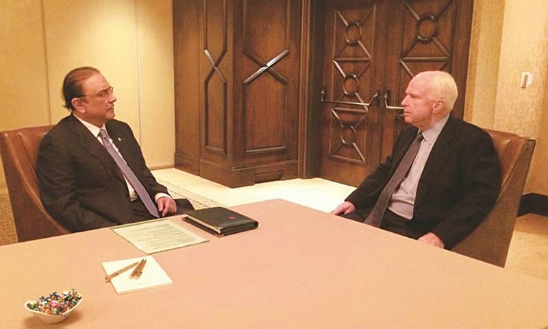 John McCain telephones Asif Zardari, says anti-Pakistan bill won't get through US Congress