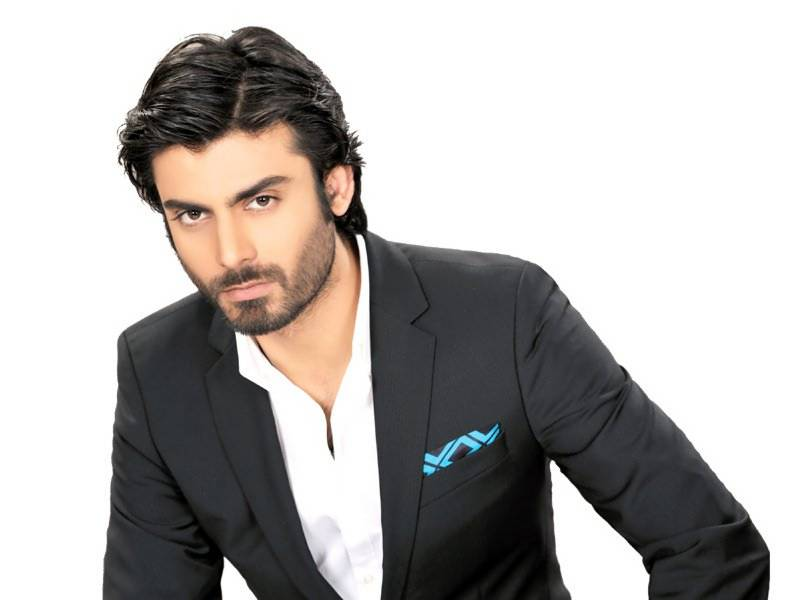 Fawad Khan secretly leaves India amid threats from extremist groups
