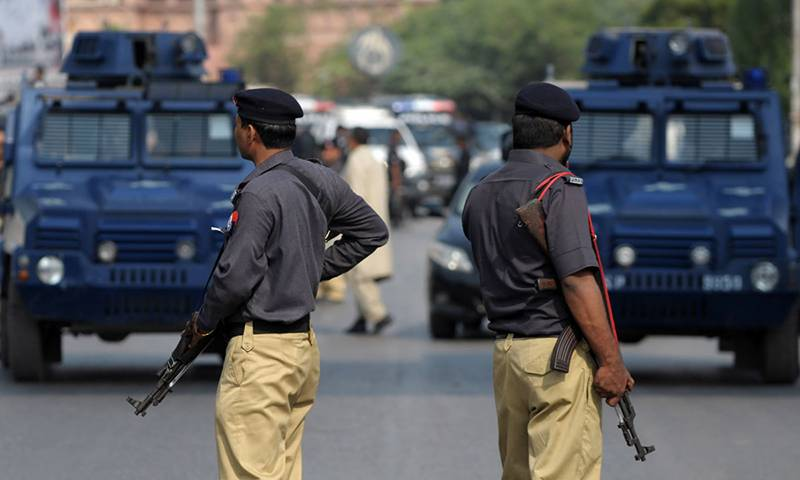 Anti-terror operation stopped in Faisalabad after illegal weapons recovered from outhouses of PML-N UC chairmen