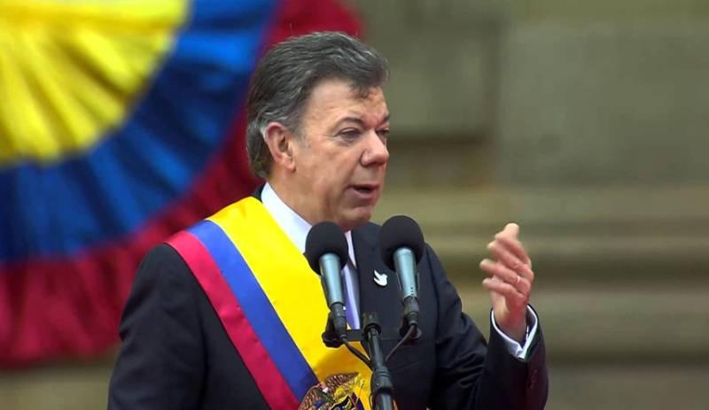 Colombian President Juan Manuel Santos wins Nobel Prize for peace efforts