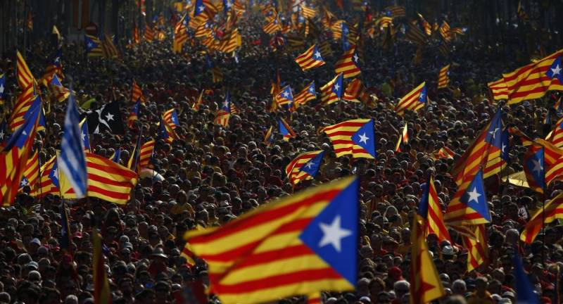 Catalonia parliament votes yes to independence referendum