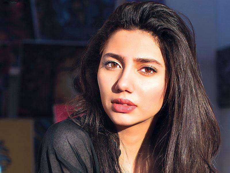 Mahira Khan sends a message of peace to Pakistan and India