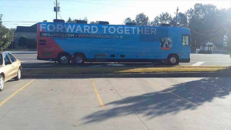 Hillary campaign bus caught 'pooping' on the street