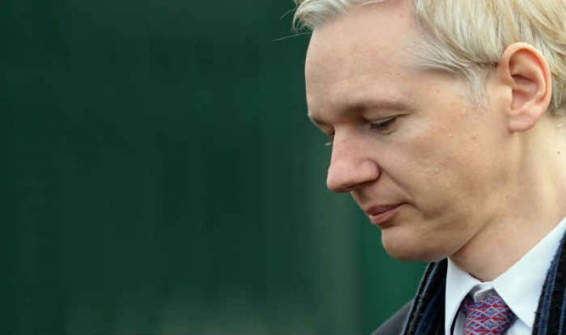 Hillary staff allegedly behind campaign to frame Assange as a paedophile