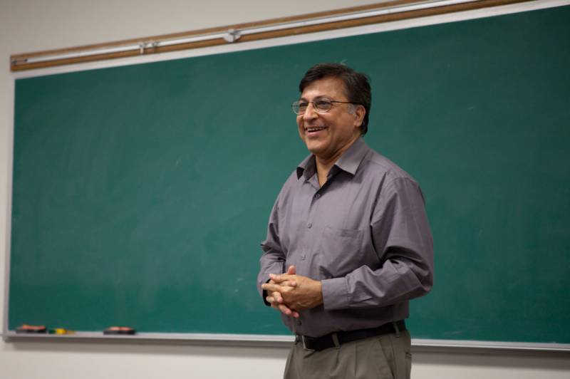Pervez Hoodbhoy urges large-scale educational reforms across country